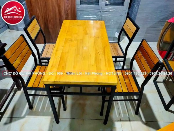 bộ bàn ghế gỗ cao su chân sắt cũ01 ch