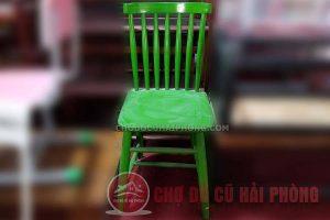 Ghế tựa màu xanh lá
