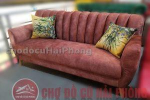 Sofa văn màu đỏ mận